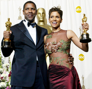 1424211734_halle-berry-denzel-washington-560